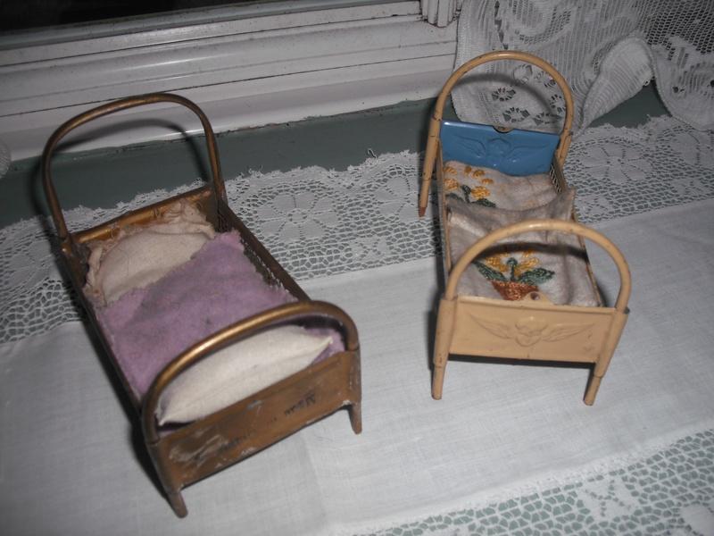 2 nice small metal beds