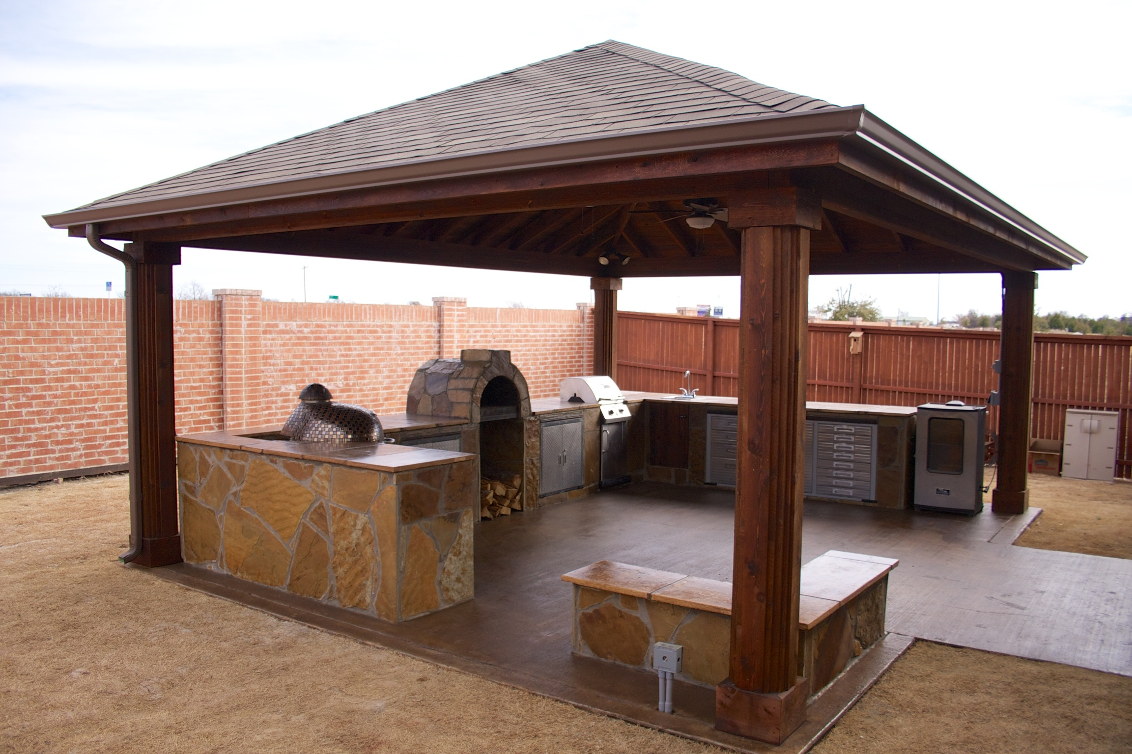 Outdoor Living Area (Side View)