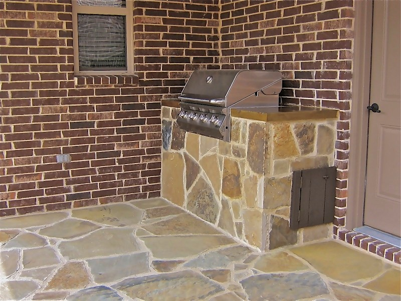 6' Outdoor Kitchen (Oklahoma Flagstone) side view