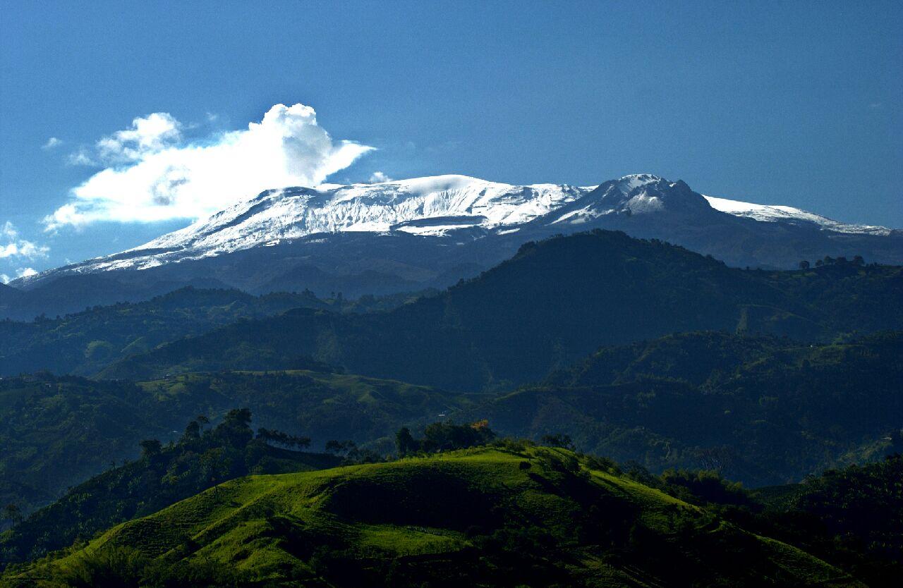 Nevado del Ruiz desde la finca Corozal en La Manuela