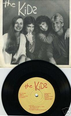 The KIds 45 Loretta's Backup singers