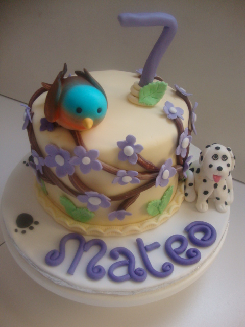 Cute Bird and dalmatian cake (B077)