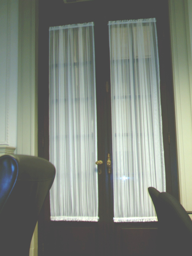 Cortinas de tela para puertas interesting resultado de imagen para cortinas de cocina navideas - Telas para visillos cortinas ...