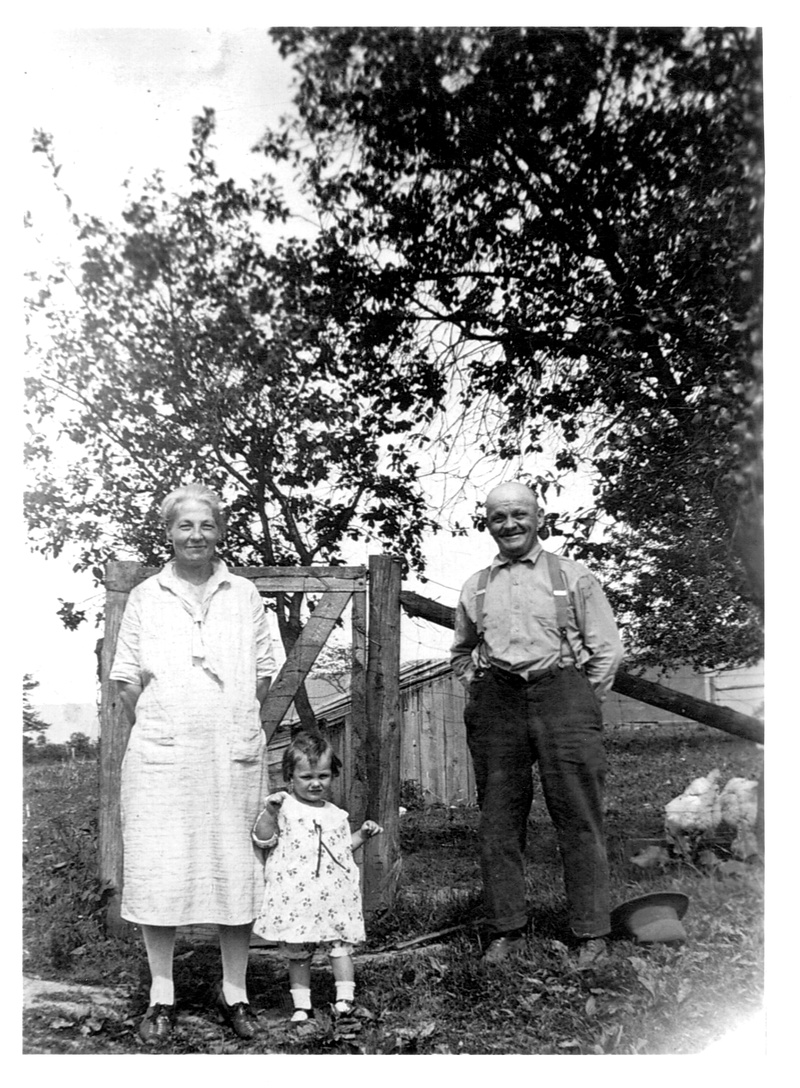 William Blair Hearn (1863-1944) and his wife, Emma Catherine (Fornwalt) Hearn (1877-1959) with their daughter, Jean Caroline Hearn (1926-1933)