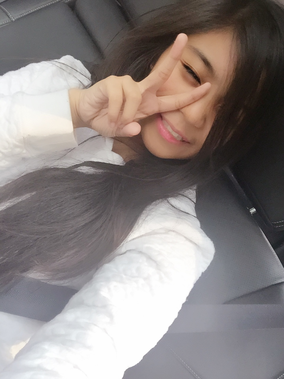 Just random selcas in the car haha