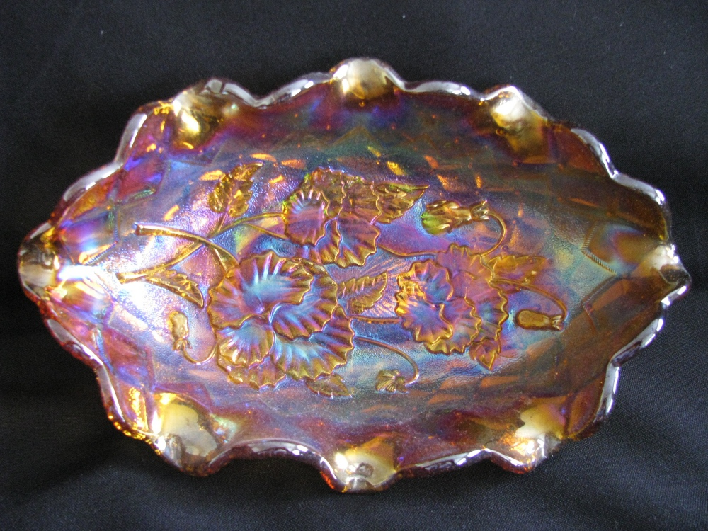 Pansy pickle dish, Amber