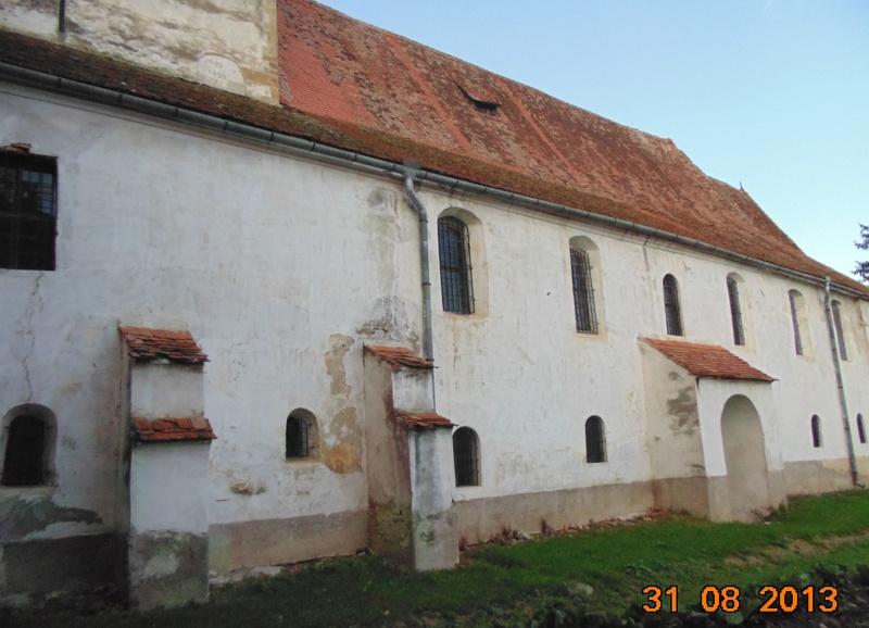 Vedere exterioara biserica cetate Cincu