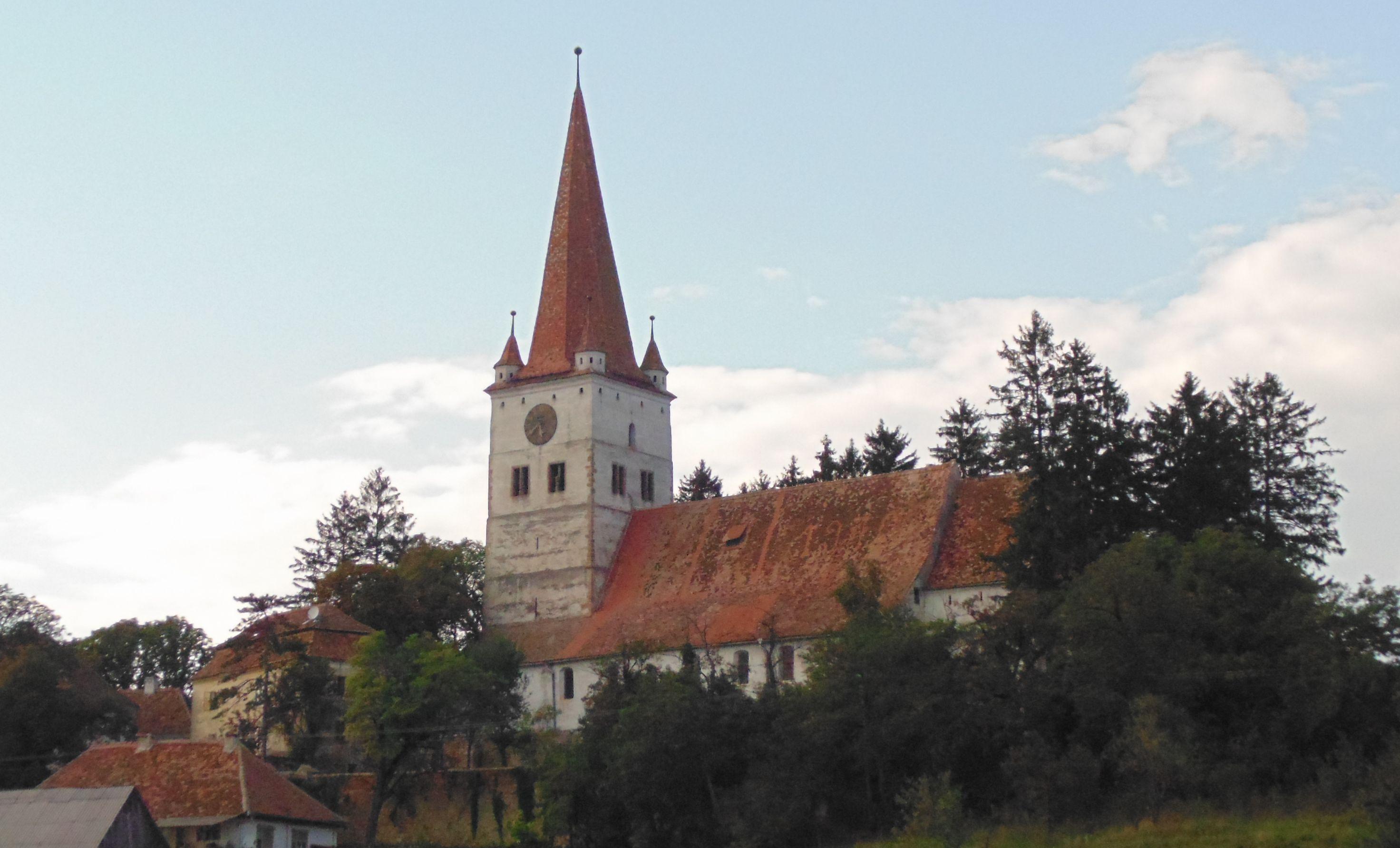 Imagine generala a bisericii-cetate Cincu