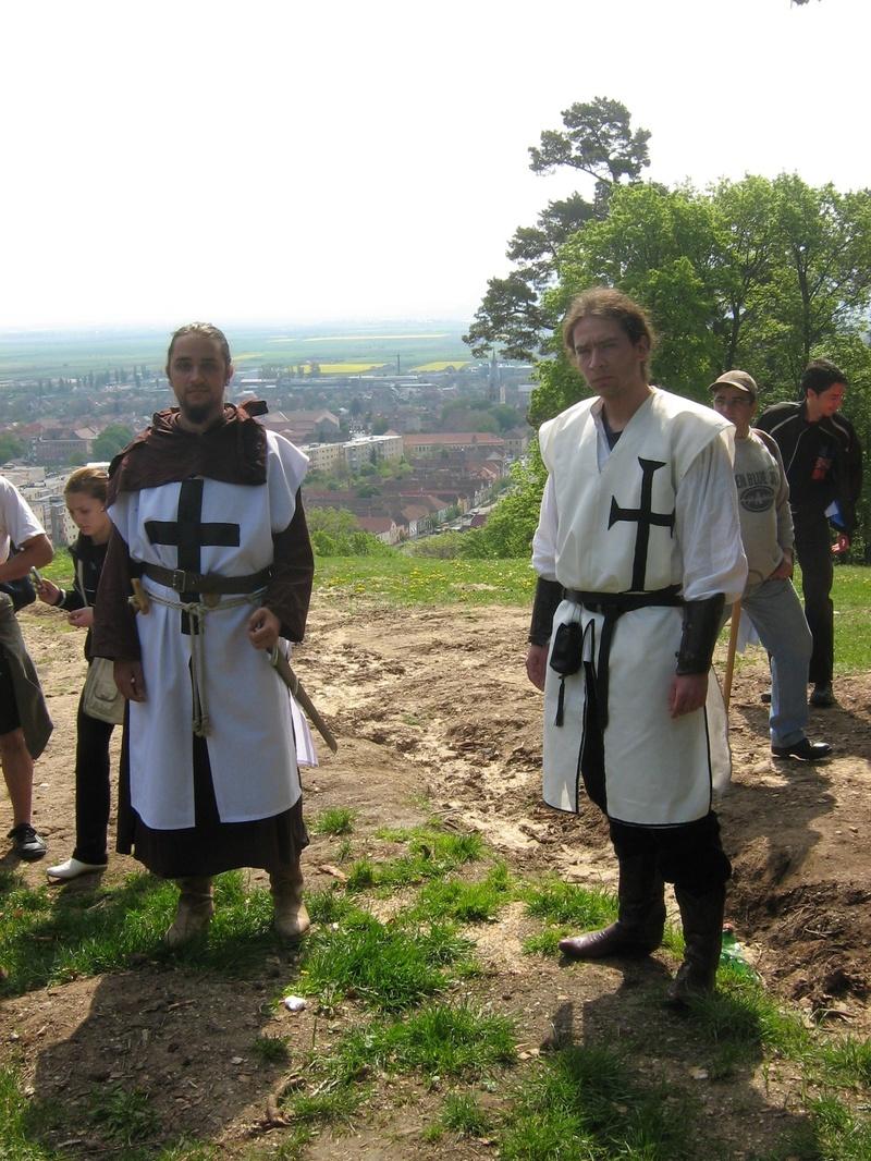 La poalele muntelui ne asteptau calauzele noastre-Cavalerii Teutoni