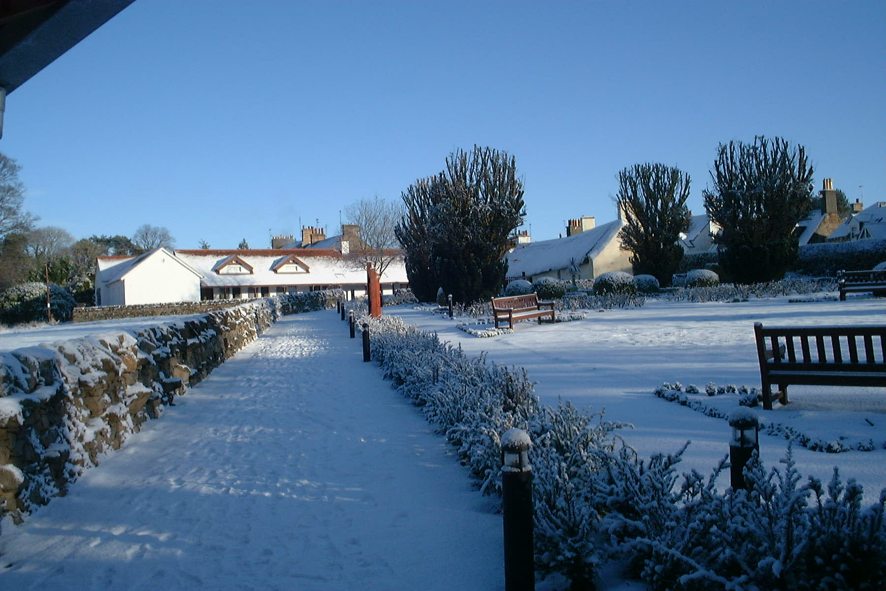 Burns Cottage & Chilldren's Activity Centre & Gardens, Ayr, Jan 5th 2010 by Reg Tait