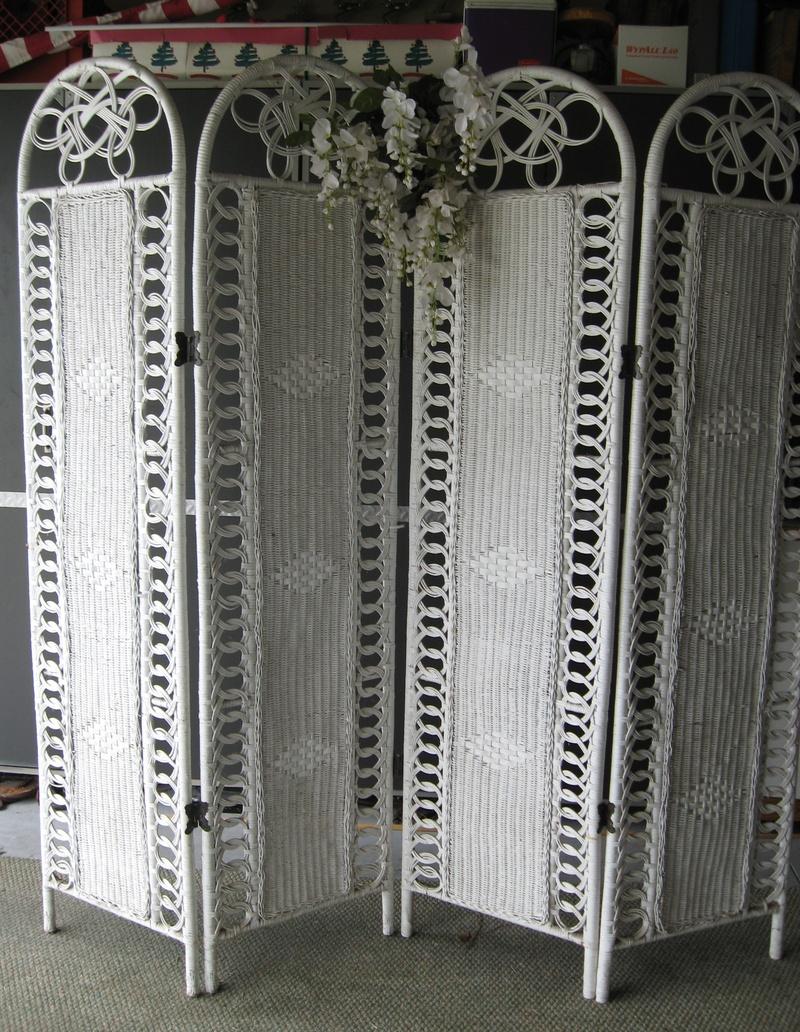 White Wicker Screen