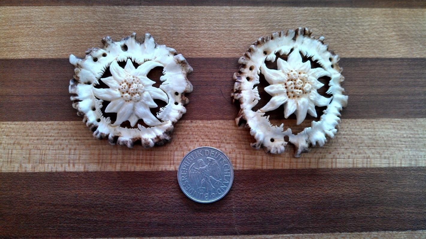 Edelweiss carvings