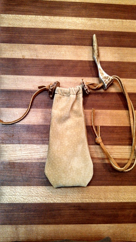 Small lether pouch/'pocket'