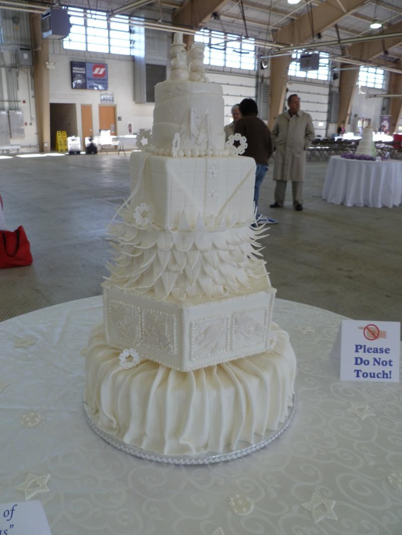 12 Days of Christmas theme wedding cake