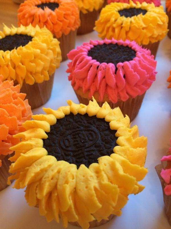 Oreo Flower Cupcakes