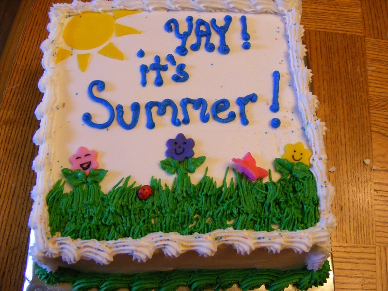 this a sweet cake for the begginng of summer