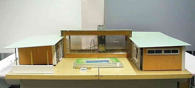 Bungalow C 1961-67. Dimensions: 46 inches [117 cm] wide, 33 inches [84 cm] deep and 12.5 inches [31.5 cm] high
