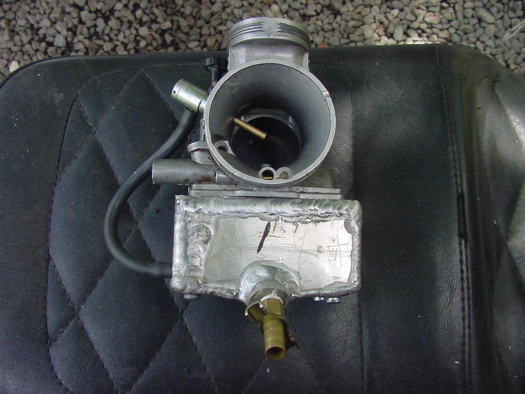 Yamaha Drag Blaster carburetor