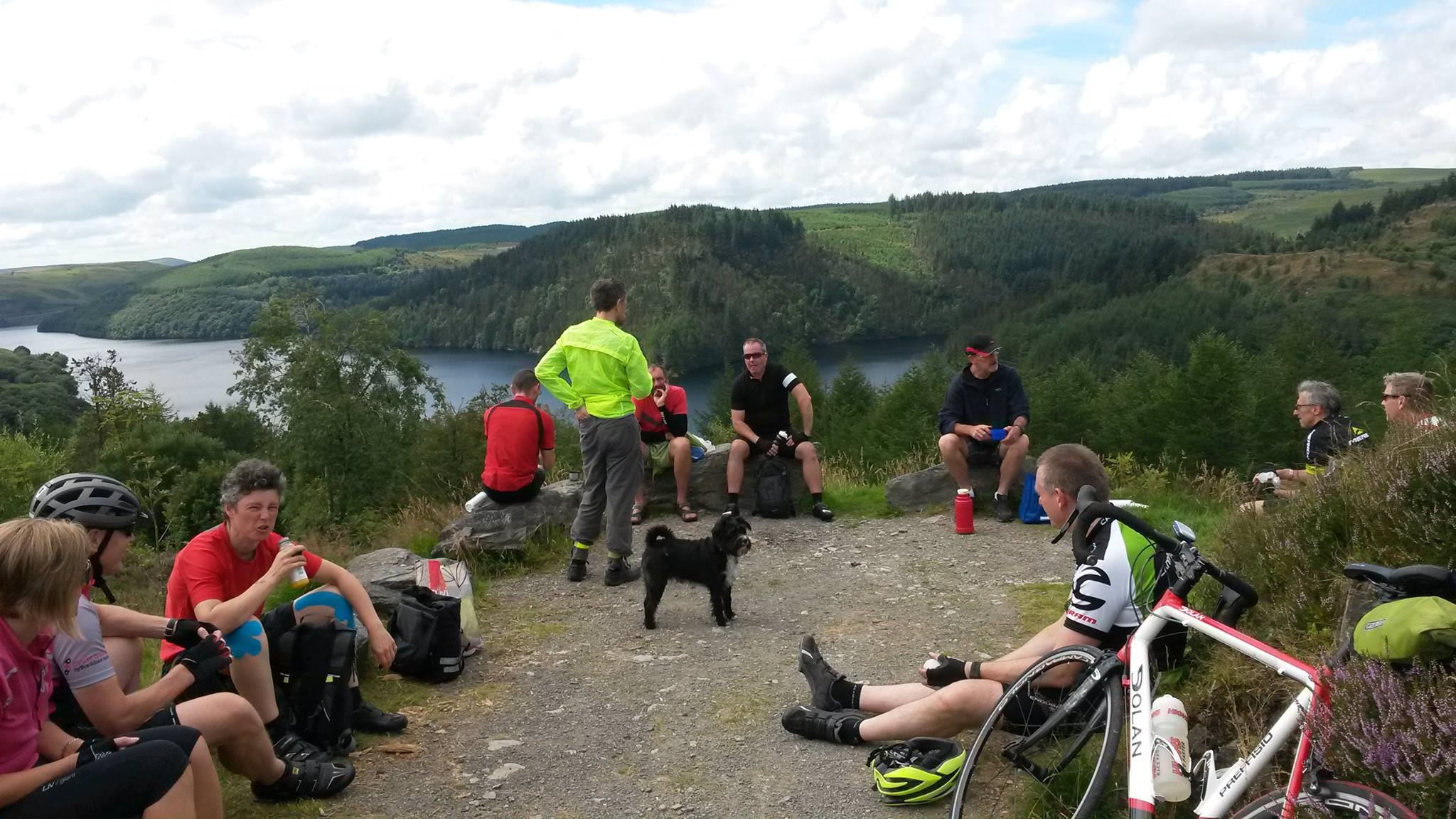 The Picnic spot above the llyn