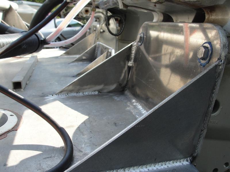 Twin outboard brackets