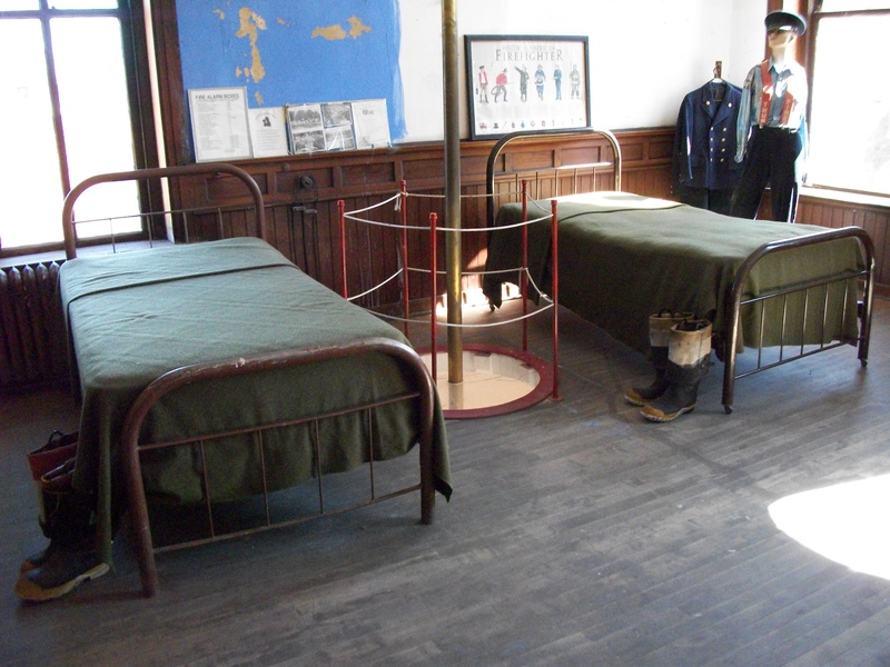 Beds at the second floor bedroom.
