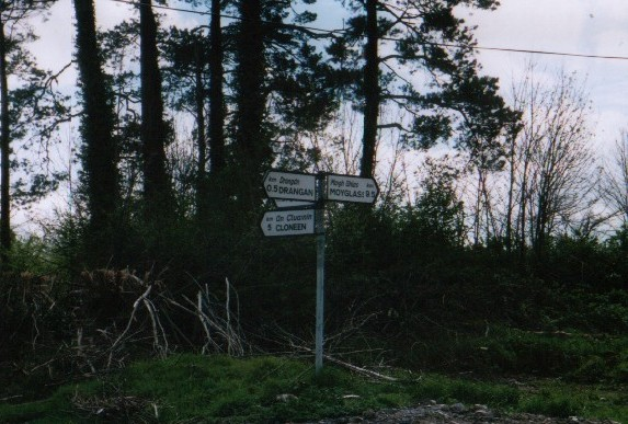 The sign pointing to Cloneen and Drangan
