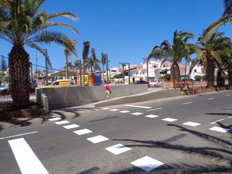 The pedestrian ramp opposite the Barcelo Hotel