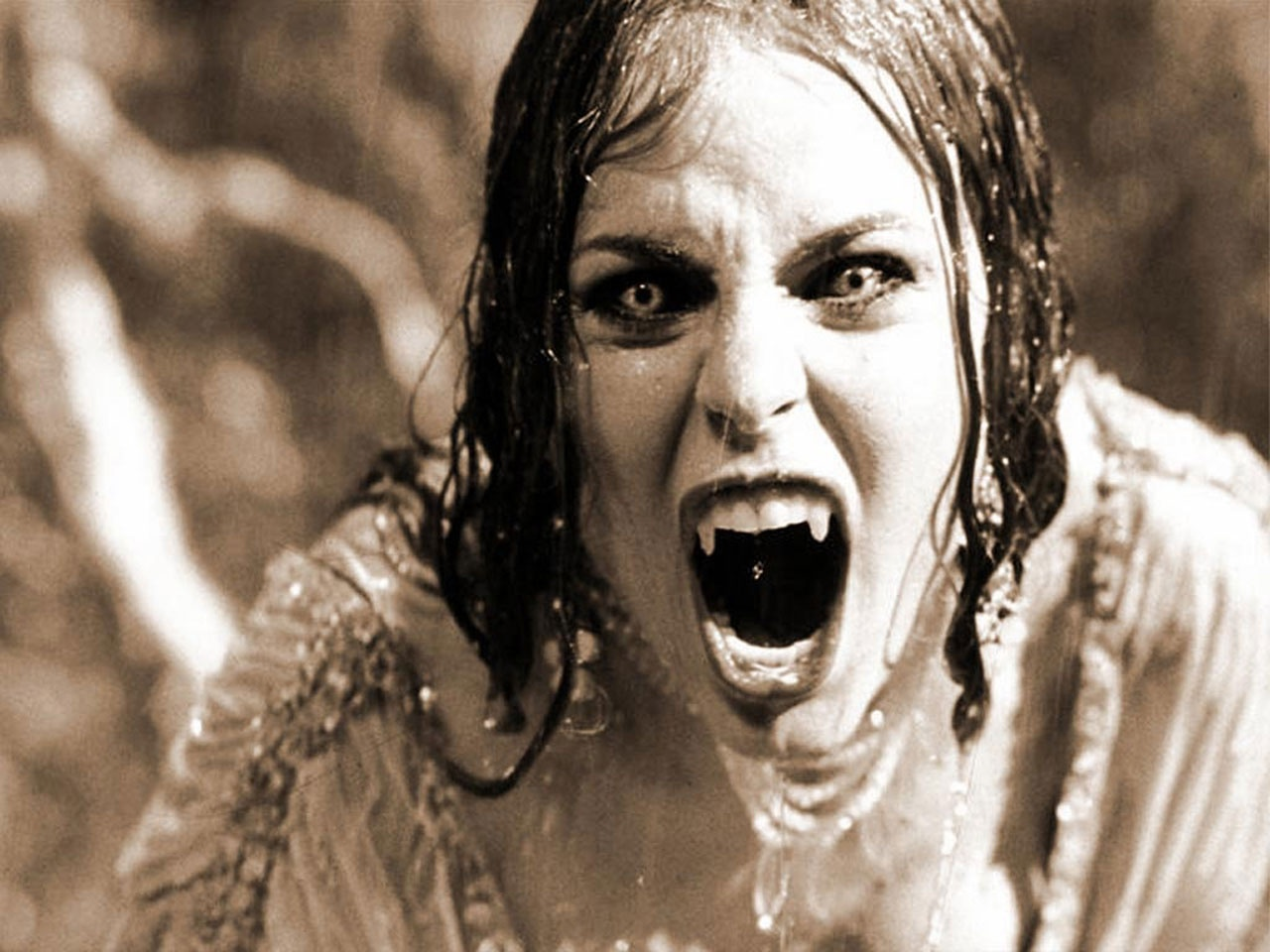 mujer chupa sangre enbrujada