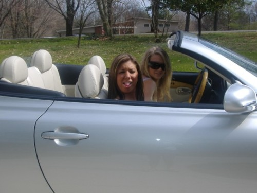 Taylor and Ally in the car