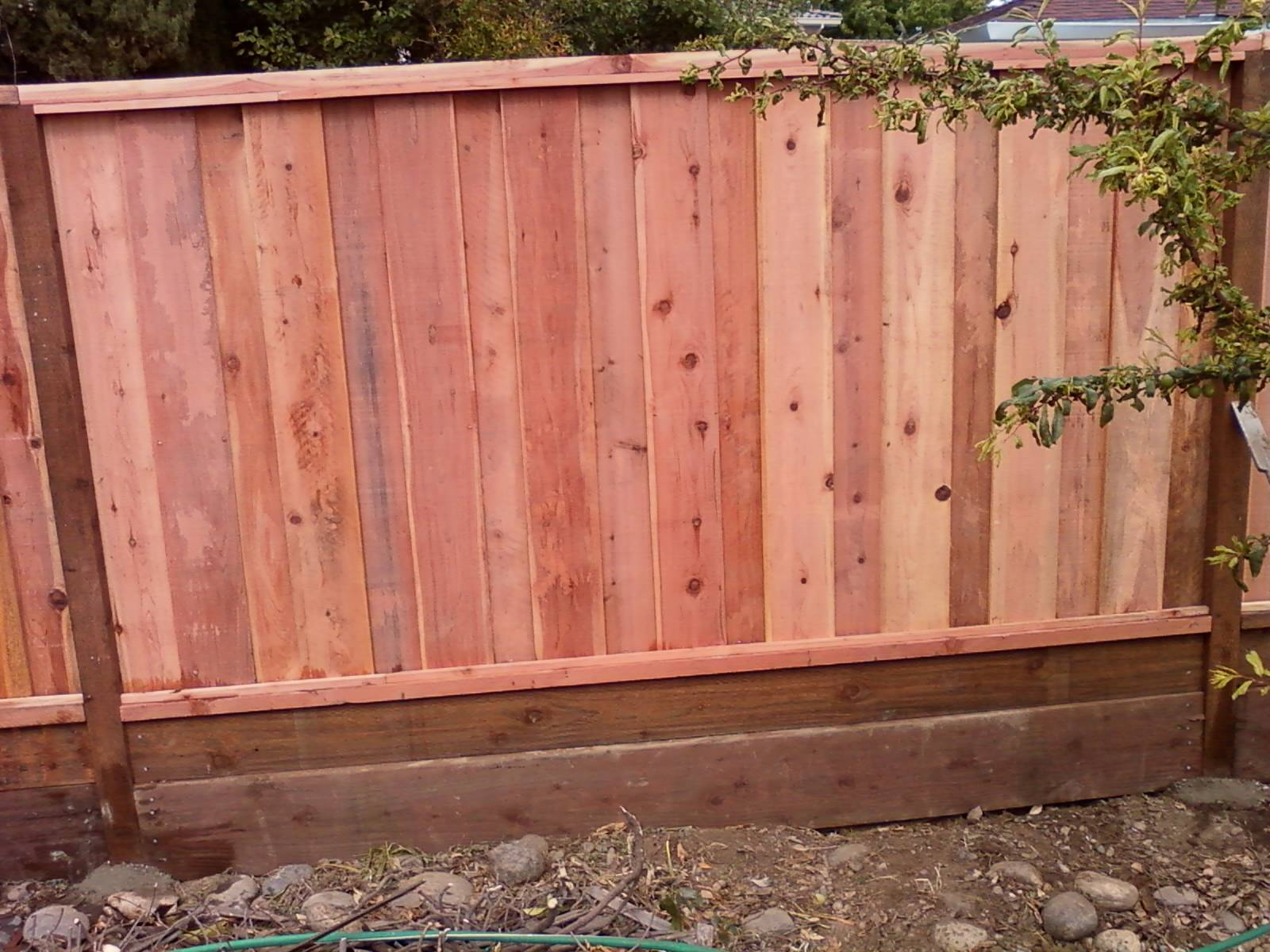 regular fence 6 ft high board on board