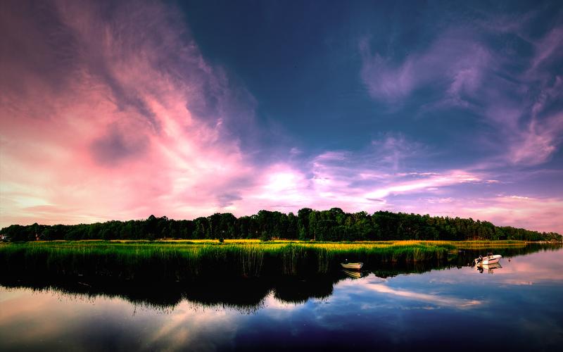 بحيرة بألوان الطيف بأجمل الالوان - colorful lake with a beautiful sky