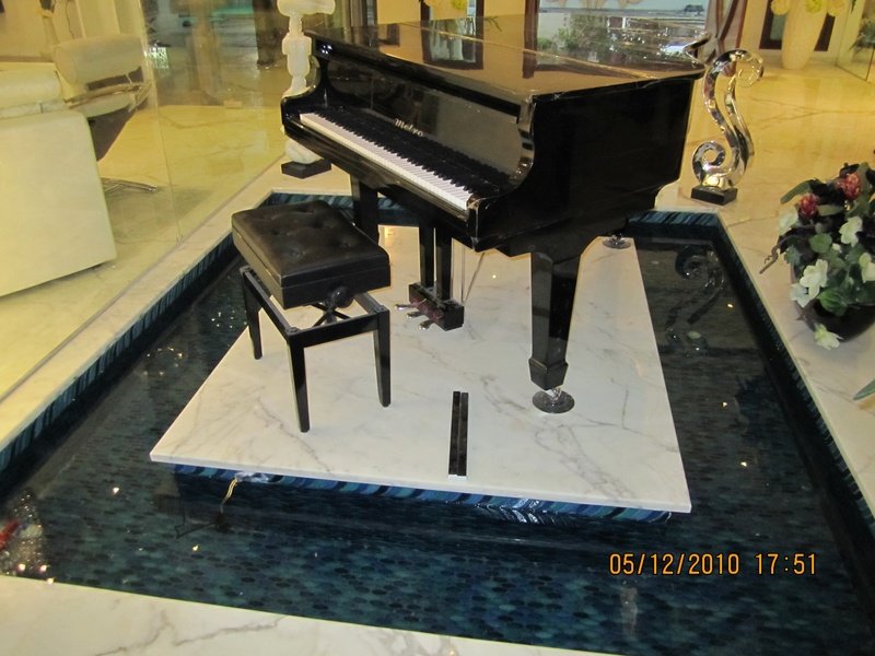 PIANO WATER BODY