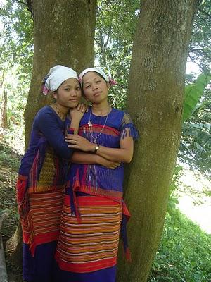 Two young Tanchangya girls