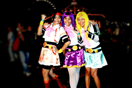 Jollyrawrger as Suzume, Unknow girl as Tsugumi, Unknow girl as Kamome - Jollyrawrger como Suzume, chica desconocida como Tsugumi, chica desconocida como Kamome