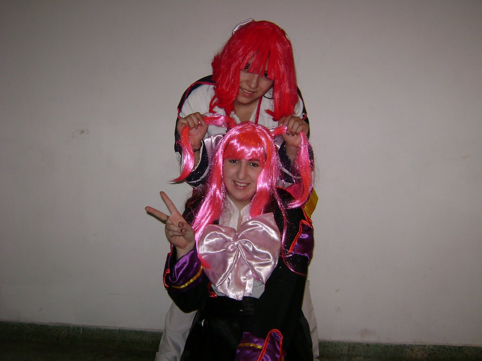 Haruna as Tsubame and Shia as Hibari- Haruna como Tsubame y Shia como Hibari