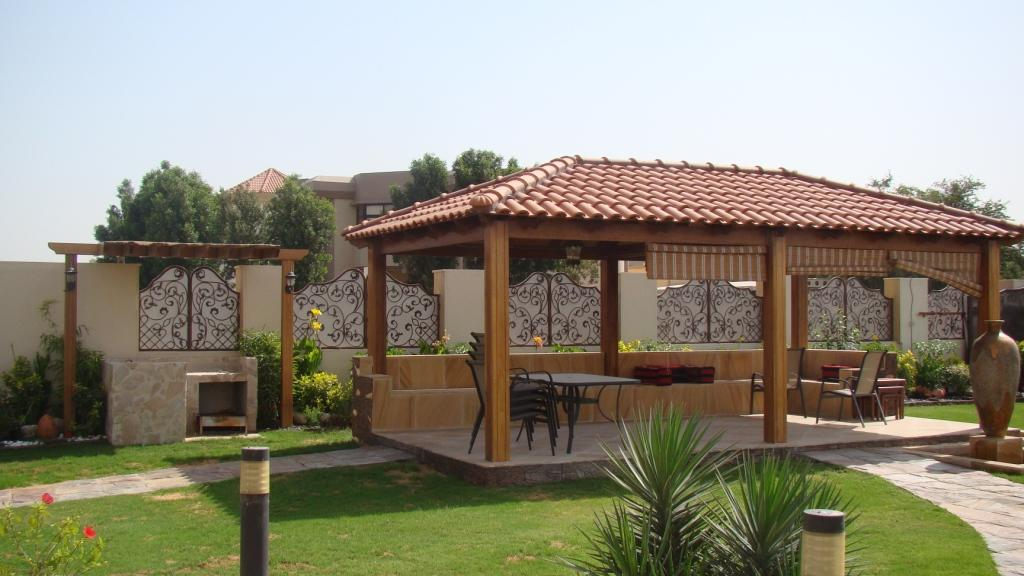 Gazebo with tile roof 2