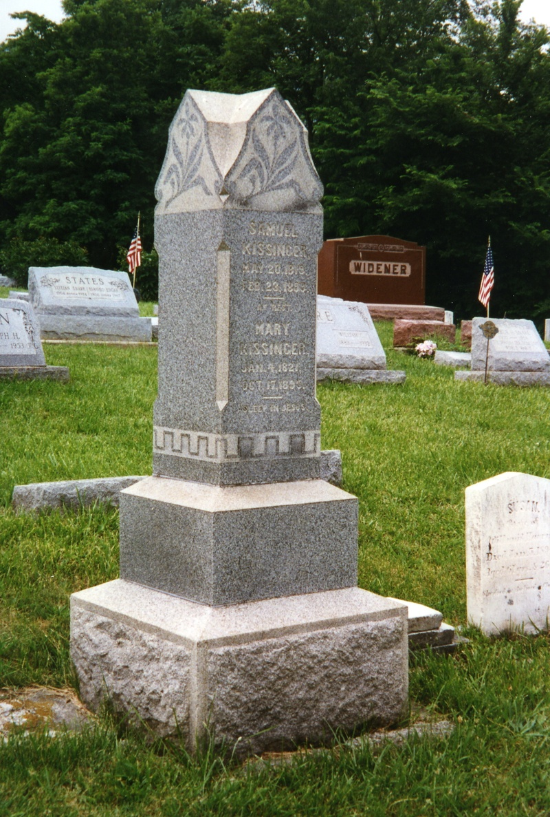 Gravestone of Sam and Mary (Snare) Kissinger