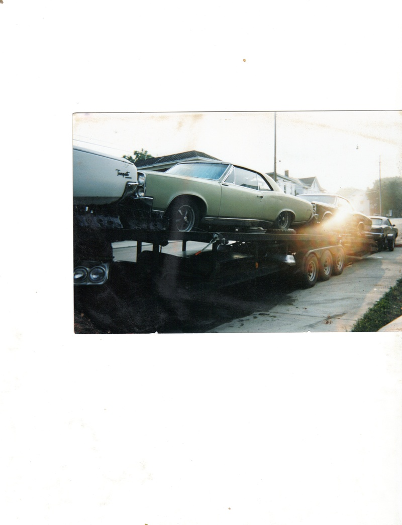4 Pontiacs @ once on Our trailer
