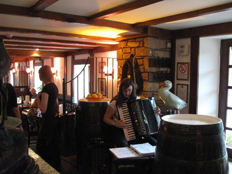 Souter Johnnie�s Inn