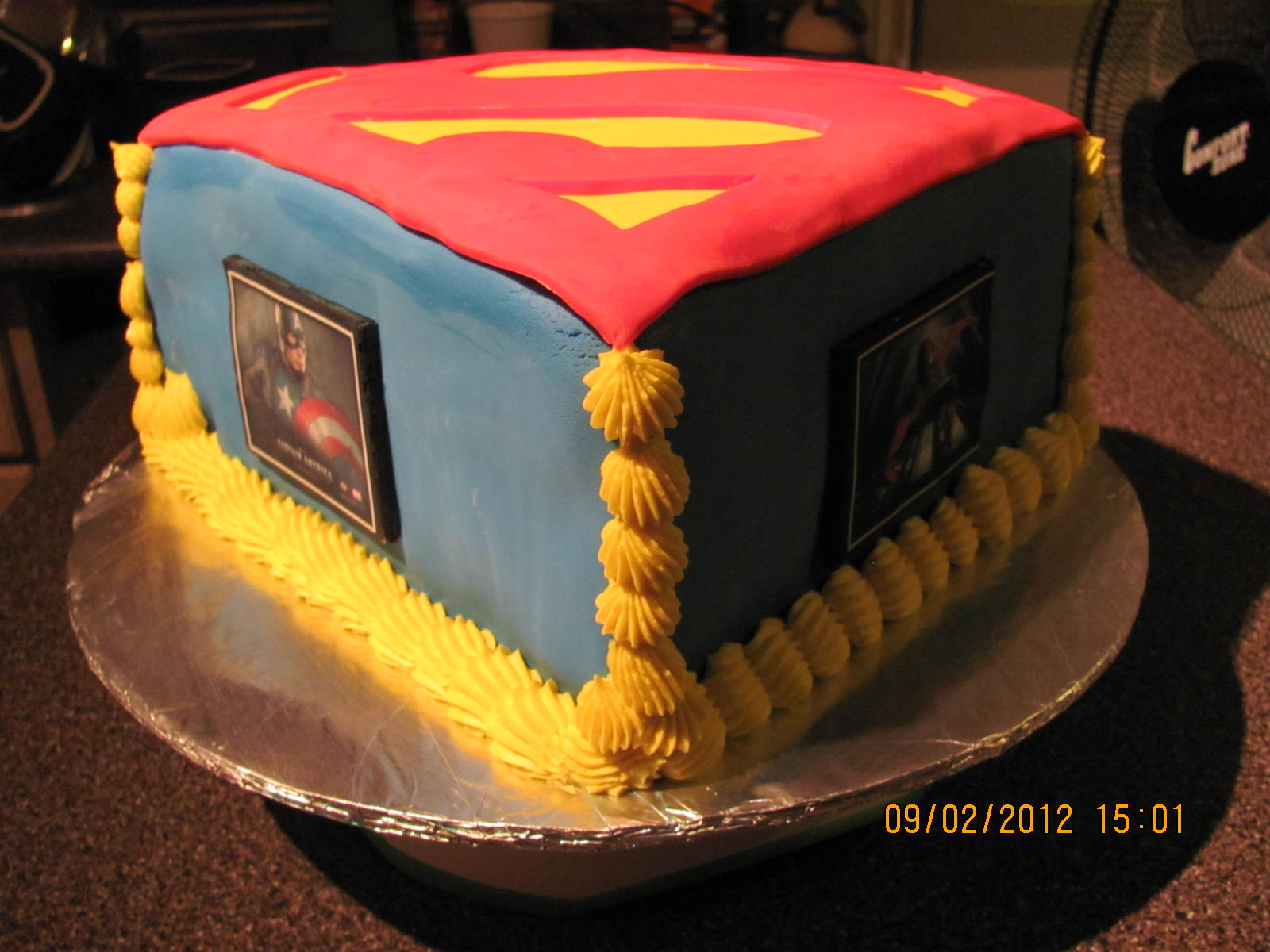 Superhero Cake: Batman, Spiderman, Hulk, Ironman, Captin America