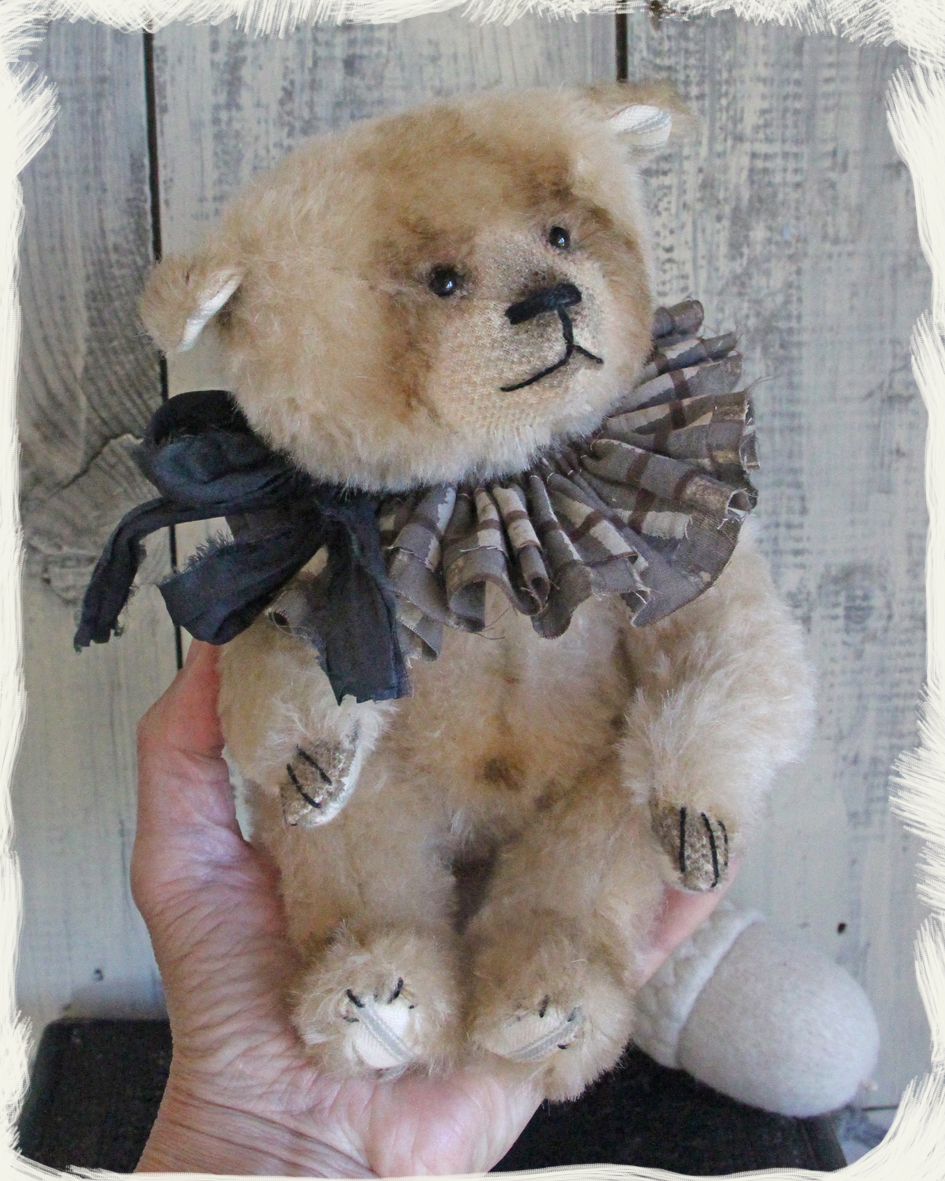 Autumn Bear with Acorn