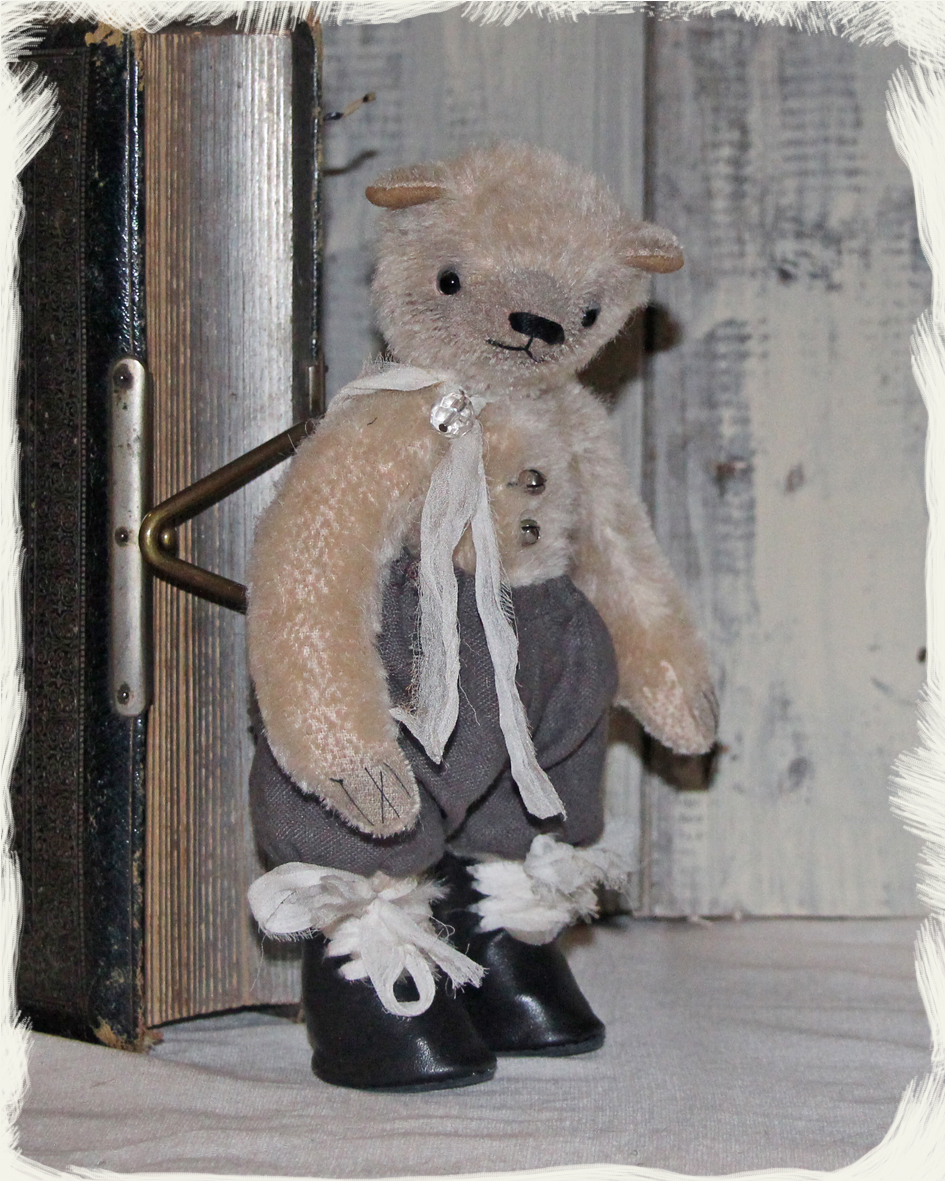 Sprout, mohair bear