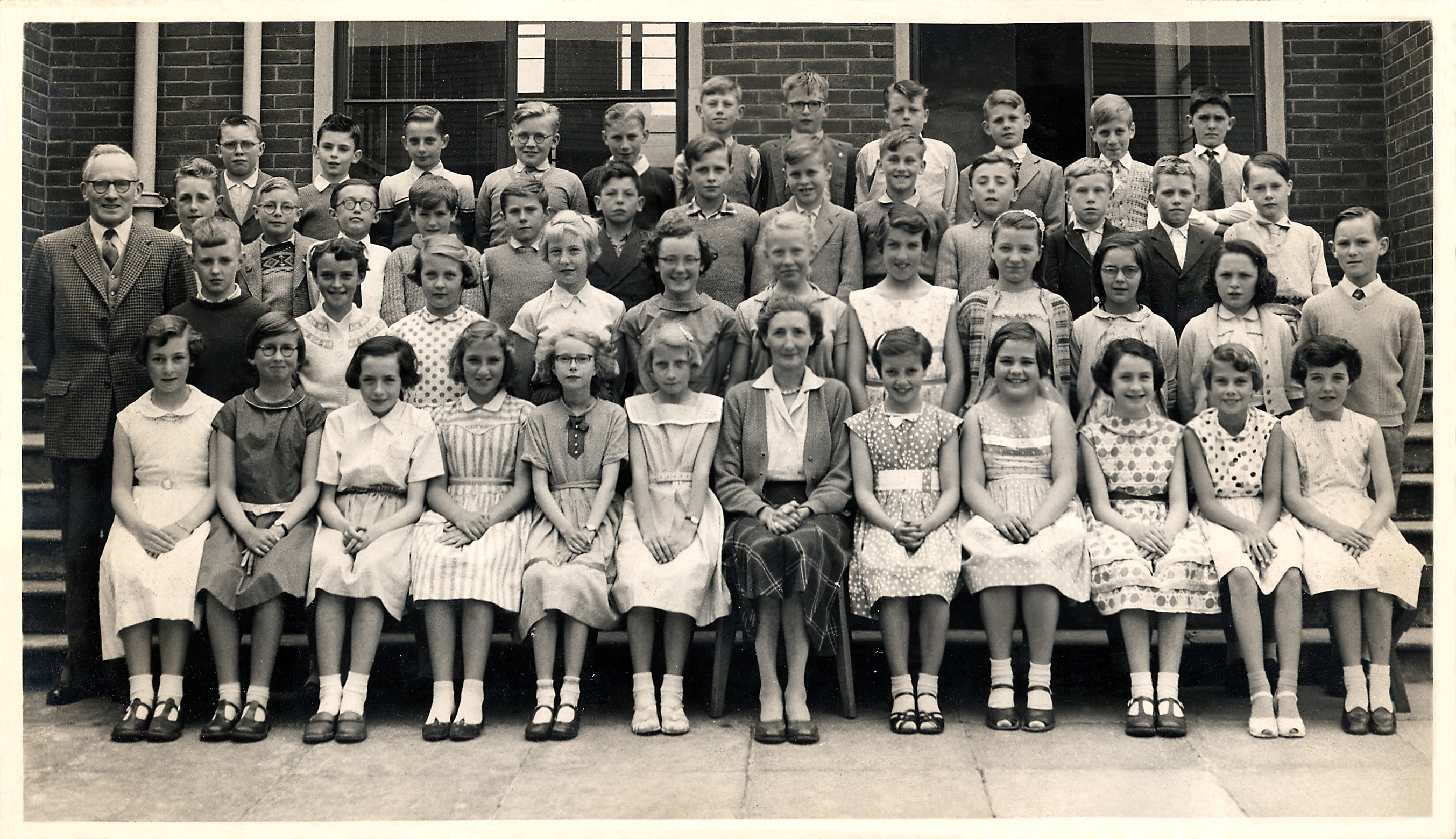 Lobley Hill Juniors 1958(Mrs Masterman's class 4A