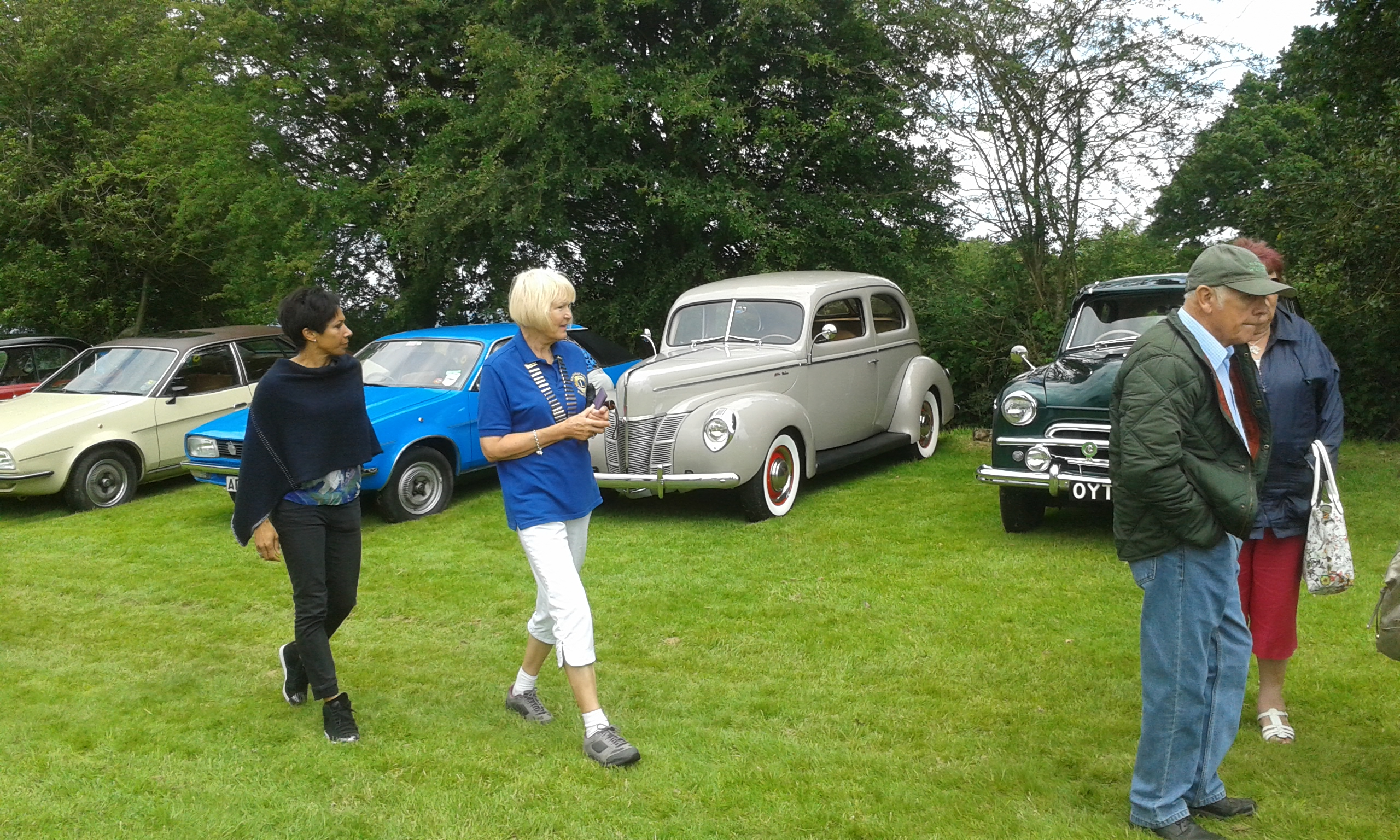 Kelly Holmes judging the classic cars