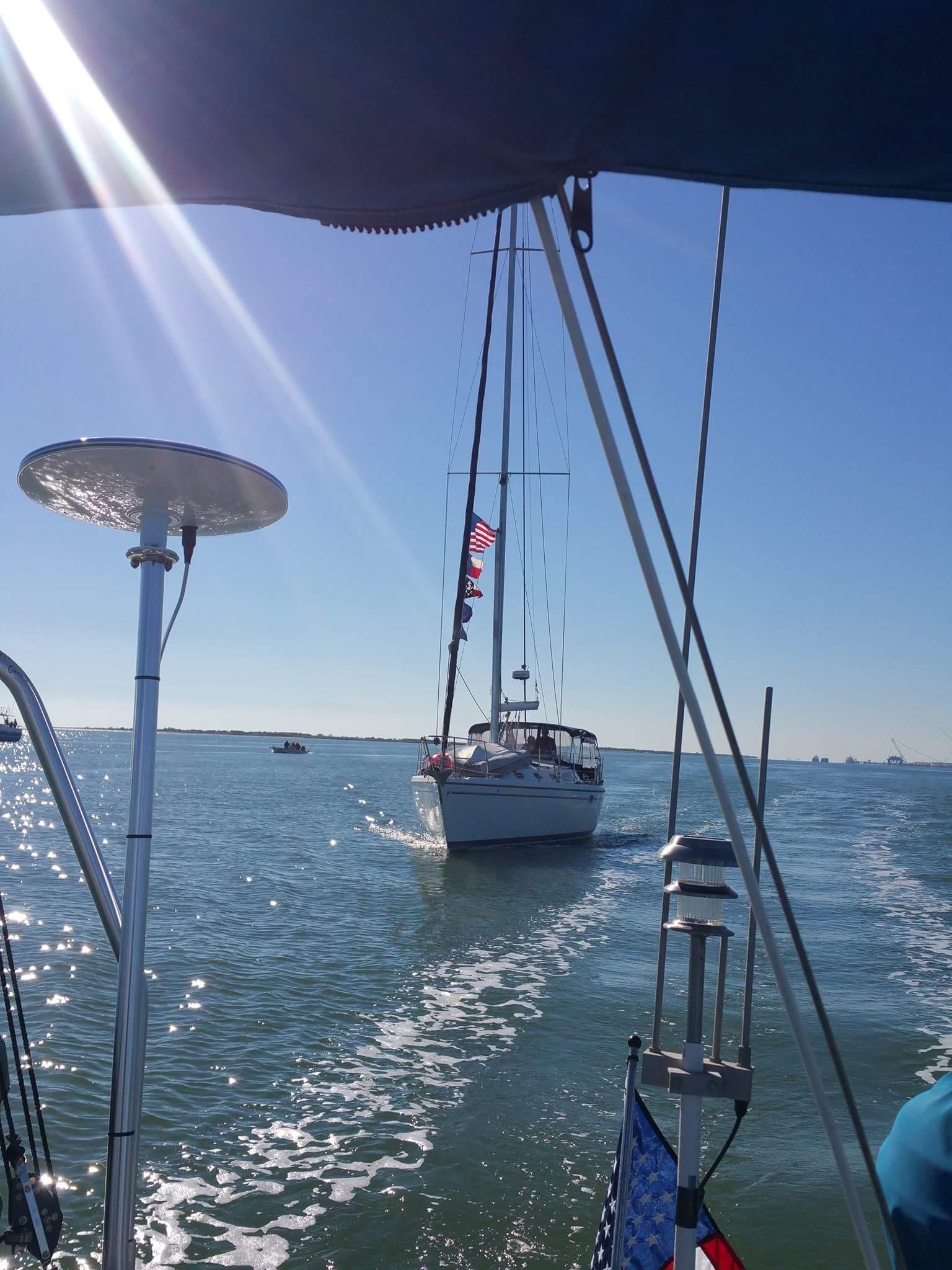 Bum boat trailing behind Waimanu