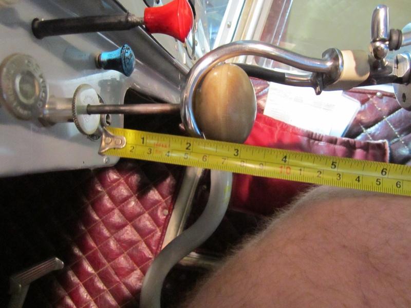 side view of standard hook on DPZ's throttle