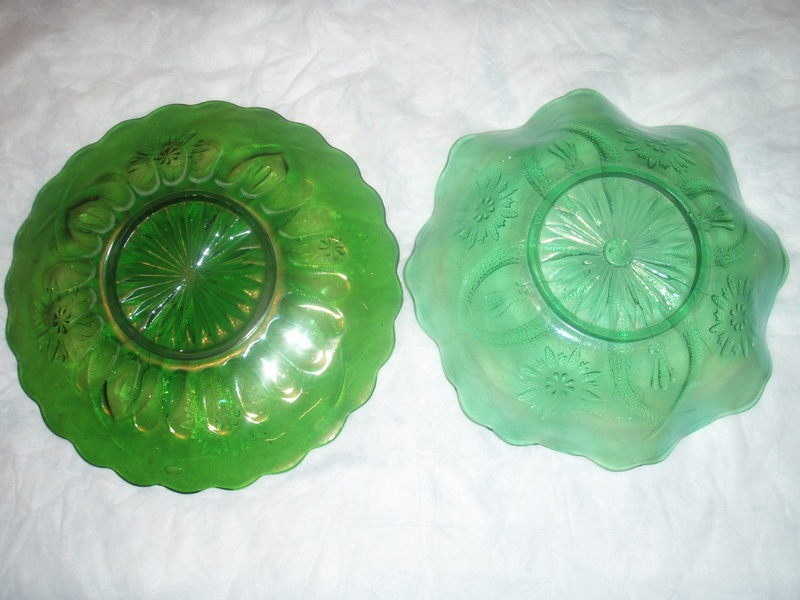 Four Flowers Variant plate and ruffled bowl, green, Brockwitz