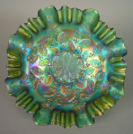 Holly bowl, with a 3 in 1 edge, Emerald green