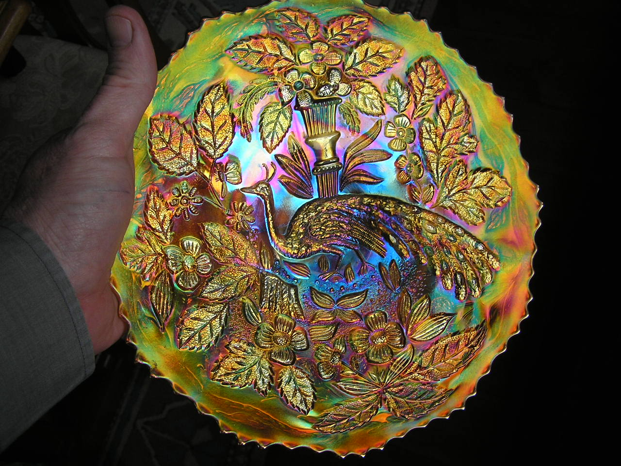 Peacock and Urn plate, in marigold