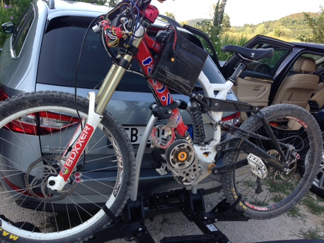 Massimo 's Great bike with GNG2016 premium kit.Thank you very much Massimo from Italy!